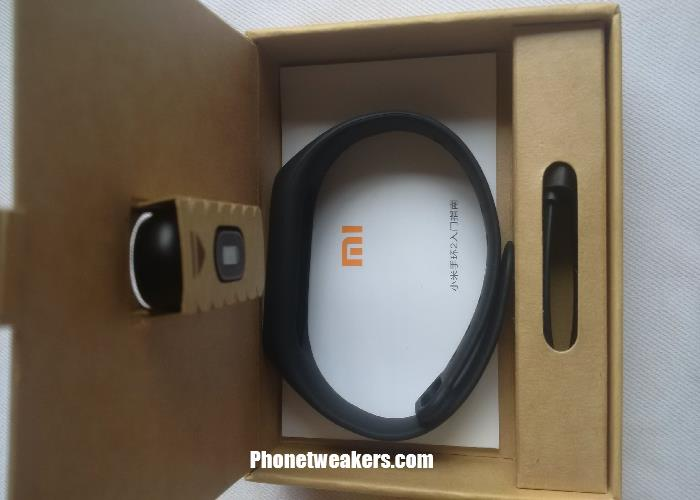 Original Xiaomi Mi Band 2 Unboxing, Review And Price 5