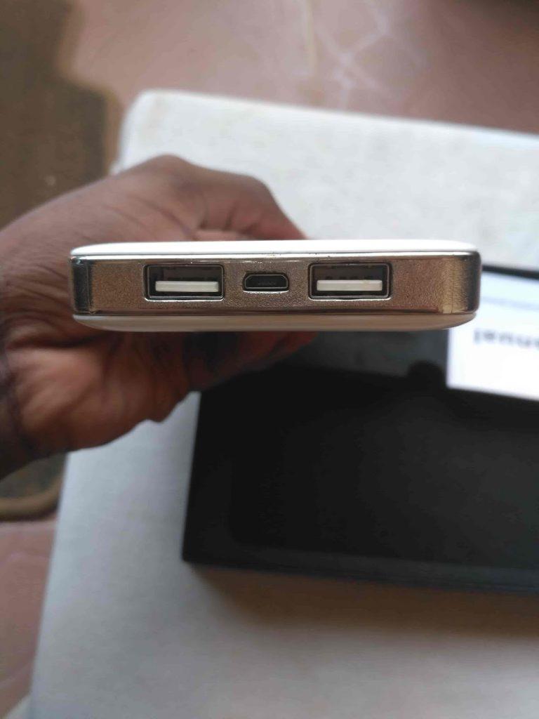 customize USB depot power bank USB-port