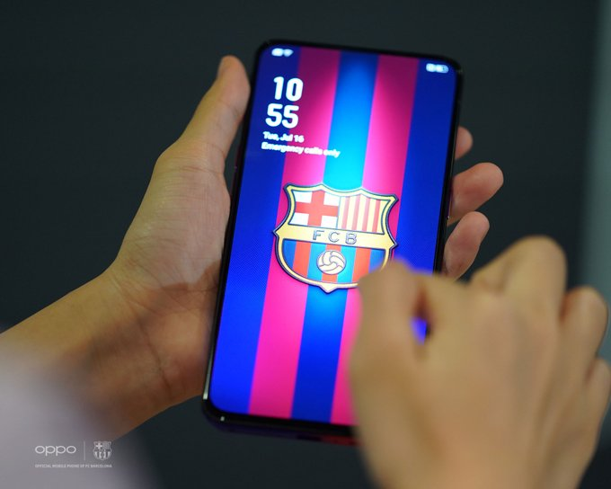 OPPO Reno FC Barcelona edition: Special models with striking team emblems and gradient colors 7